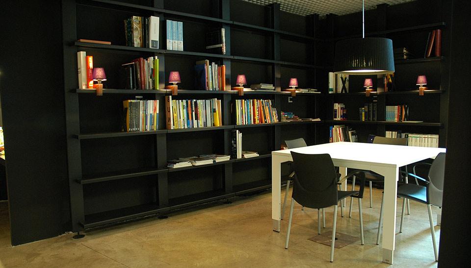 Reformas de oficinas en barcelona adeyaka bcn cincuenta y for Reformas de oficinas