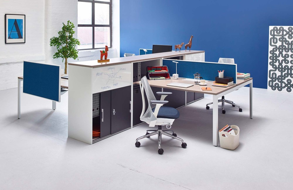 Mobiliario de oficina en barcelona adeyaka bcn for Mobiliario oficina sillas