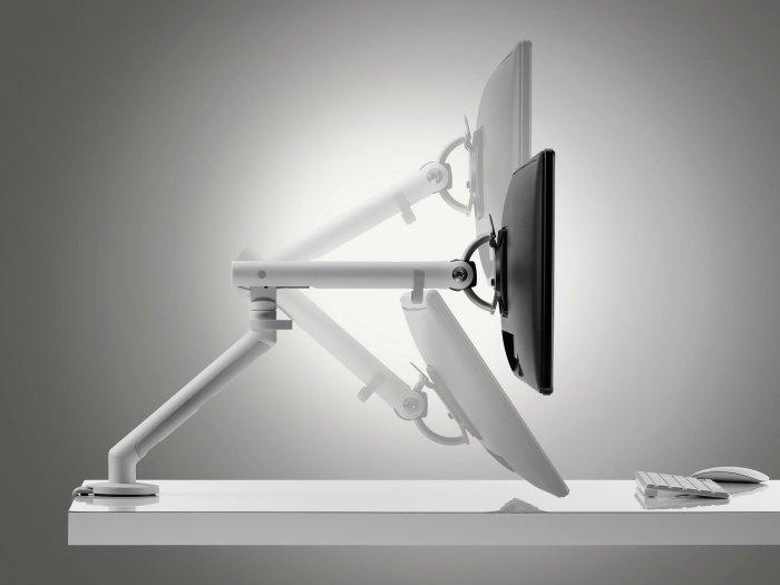 Brazos dinamicos para pantallas de ordenador Flo Adeyaka Barcelona