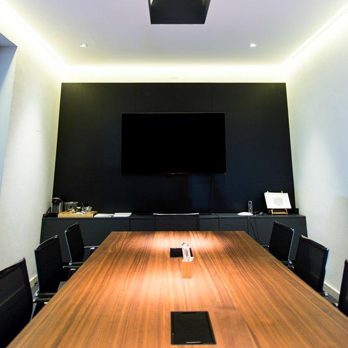 Mobiliario de oficina adeyaka barcelona elix proyectos for Mobiliario oficina barcelona