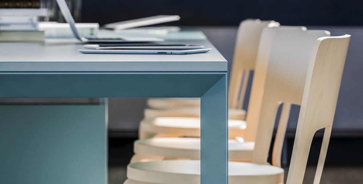 Mobiliario de oficina sinetica industries adeyaka for Mobiliario oficina barcelona