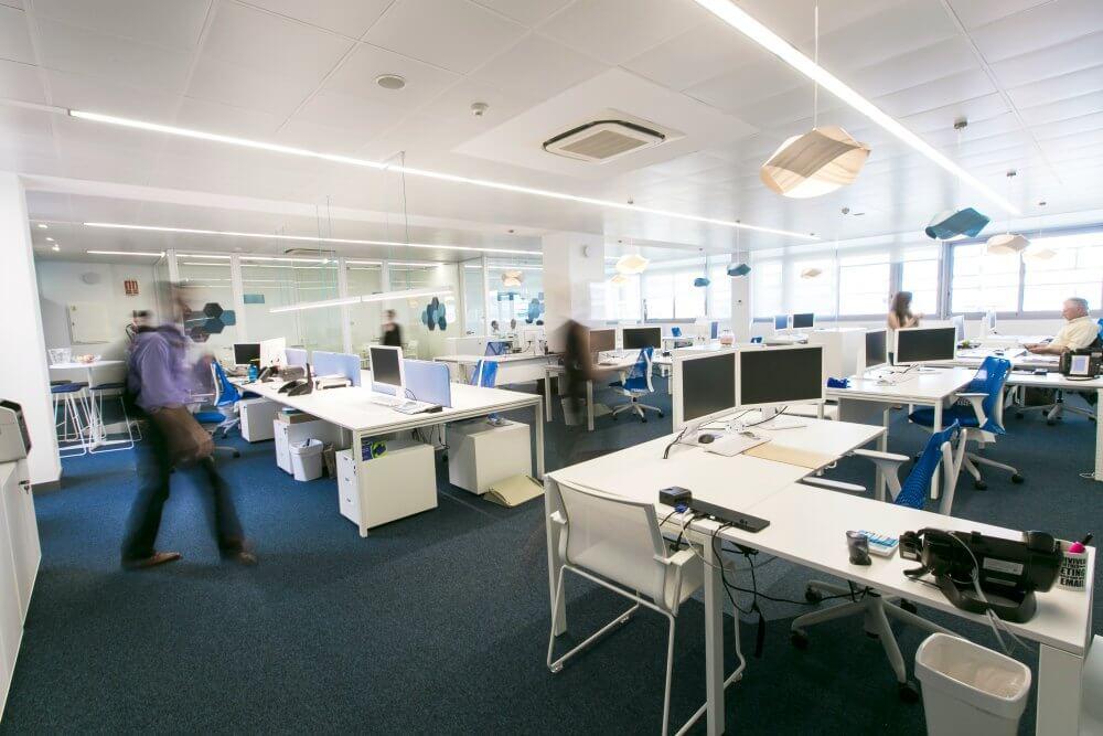 Reformas integrales de oficinas accelerate adeyaka for Reformas de oficinas