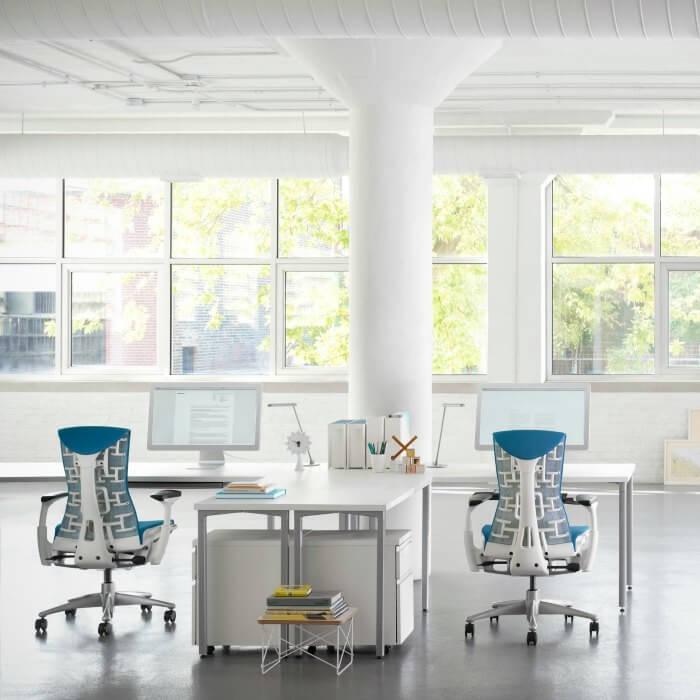 Sillas de oficina en barcelona trendy sillas with sillas for Muebles de oficina herman miller
