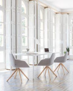 Sillas de oficina reunion, confidentes, colectividades Adeyaka Barcelona Inclass Dunas