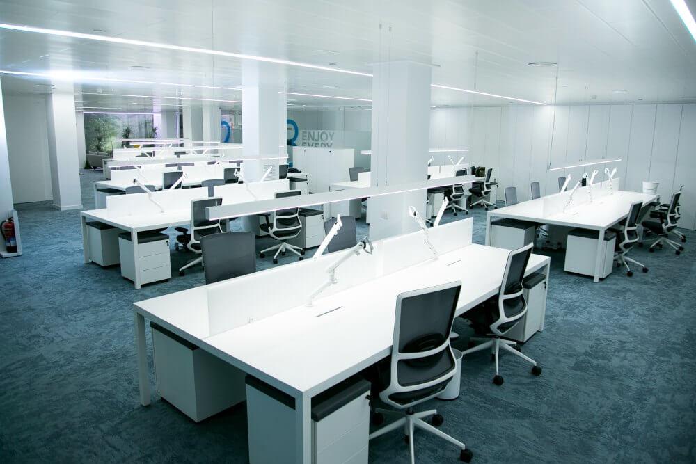 Reformas integrales de oficinas peroxfarma adeyaka for Reformas de oficinas
