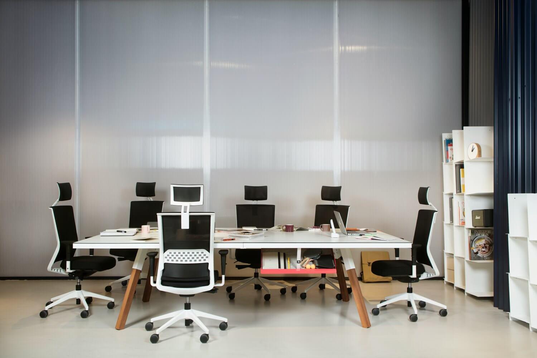 Mesas de ping pong para oficina adeyaka bcn for Mesas para oficina