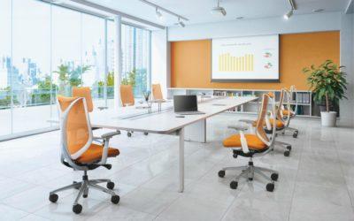 Okamura; vanguardia en sillas ergonómicas para oficinas