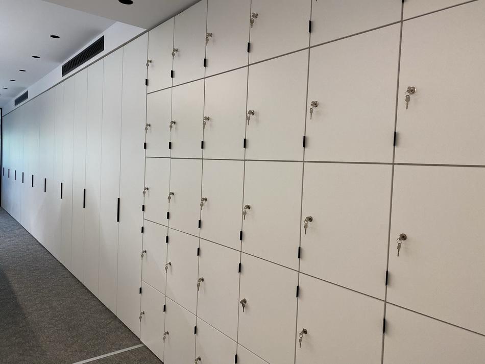 reformas integrales de Oficinas liberty cargo Adeyaka barcelona